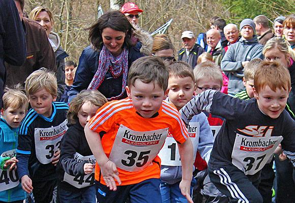 Insgesamt über 200 Läufer nahmen am 15. Ferndorfer Frühjahrswaldlauf teil