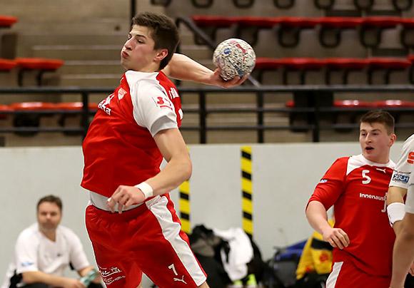 Kreisläufer Fabian Benger erzielte 6 Treffer gegen Hanau (Foto: Schaumann)
