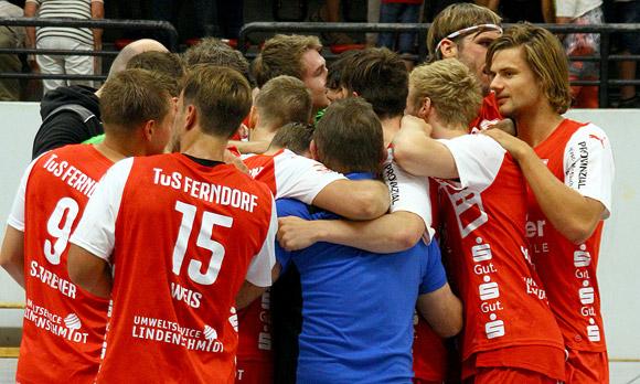 Jubel nach dem dritten Sieg in Folge: Der TuS Ferndorf klettert weiter. (Archivfoto: TuS Ferndorf)