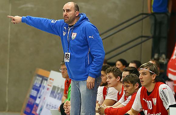 Trainer Erik Wudtke weiß: es gibt keine einfachen Spiele, schon gar nicht gegen vermeintlich schwächere Gegner (Foto: Schaumann)