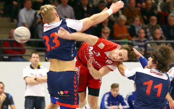 Vollen körperlichen Einsatz, wie hier Julian Schneider, muss der TuS am Freitag in Leichlingen zeigen. (Archivfoto: Horst Schaumann)