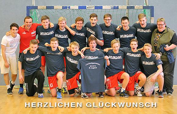 Das Team stellt sich zum Meisterfoto. (Foto: Jürgen Klein)