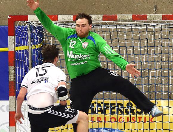 Überragend gegen den Spitzenreiter präsentierte sich Lucas Puhl im Ferndorfer Tor (Foto: Schaumann)