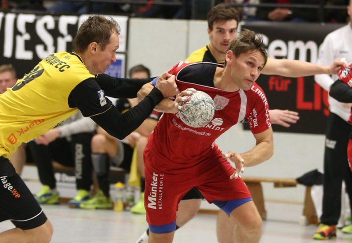 Alex Koke zog auch im Derby die Fäden auf Ferndorfs Mittelposition (Foto: Schaumann)