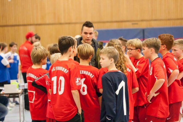 Trainer Robin Schneider muss das Team leider studienbedingt ab Dezember verlassen (Foto: Burbach)
